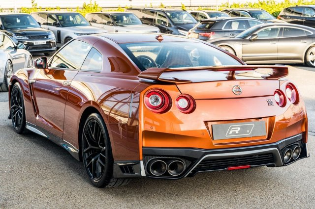 Even though the Nissan GT-R has been on sale for almost 13 years you'll still struggle to find a cheaper way into this kind of speed. Insane velocity from its 3.8-litre twin-turbo V6 engine. It's certainly a modern performance car icon. This example is finished in Katsura Orange & is yours for £68,950!⁣ ⁣ Full advert on our website, link in bio!⁣ ⠀⠀⠀ ⠀⠀⁣⁣⁣⁣⠀⁣ ———⁣ #nissan #nissangtr #gtr #cars #car #carsofinstagram #auto #supercars #carlifestyle #instacar #luxury #photography #automotive #like #racing #turbo #supercar #follow #instacars #carswithoutlimits #luxurycars #redlinesocial
