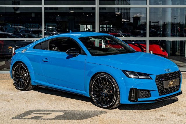 """A great little coupe that looks and feels sharper than ever"" - Topgear⁣ ⁣ Full advert on our website, link in bio!⁣ ⠀⠀⠀ ⠀⠀⁣⁣⁣⁣⠀⁣ ———⁣ #audi #tts #auditts #cars #car #carsofinstagram #auto #supercars #carlifestyle #instacar #luxury #photography #automotive #like #racing #turbo #supercar #follow #instacars #carswithoutlimits #luxurycars #redlinesocial"