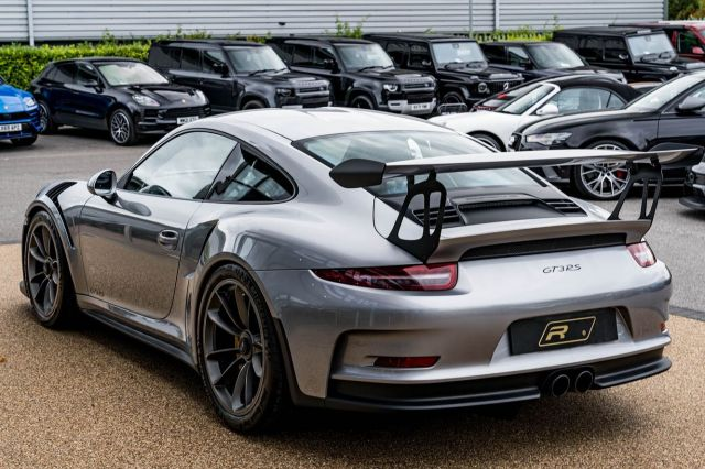 2016 (66) Porsche 911 GT3 RS just landed. With only 638 miles on the clock, this epic supercar is yours for £169,990. Please call for more information.  Full advert on our website, link in bio! ⠀⠀⠀ ⠀⠀⠀ ——— #porsche #porsche911 #gt3rs #cars #car #carsofinstagram #auto #supercars #carlifestyle #instacar #luxury #photography #automotive #like #racing #turbo #supercar #follow #instacars #carswithoutlimits #luxurycars #redlinesocial