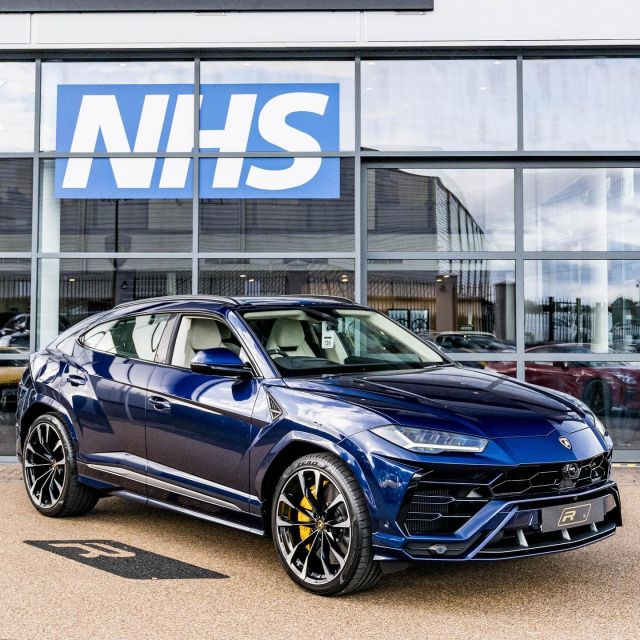 """Huge spec 2021 (71) Lamborghini Urus is now in stock. With delivery mileage, it's yours for £249,995.  Features include; Electric Panorama Roof, Coloured Upper Leather Package, Elegante Leather - Bianco Polar, Carbon Ceramic Brakes with Yellow Painted Brake Calipers, Full Electric Front Seats with Ventilation & Massage, Multi-Function Steering Wheel with Perforated Leather Inserts, Park Assist Package with Top View Camera, Garage Door Opener, Sunshine Package, Black Roof Rails, Bright Chrome Exhaust Tips, Style Package - Body Colour, Offroad Modes, Vehicle Tracking System - VTS, 23"""" Alloy Wheels, Upper Leather Package.  Full advert on our website, link in bio! ⠀⠀⠀ ⠀⠀⠀ ——— #lamborghini #urus #lamborghiniurus #cars #car #carsofinstagram #auto  #supercars #carlifestyle #instacar #luxury #photography #automotive #like #racing #turbo #supercar #follow #instacars #carswithoutlimits #luxurycars #redlinesocial"""