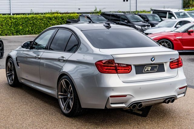 2015 (64) BMW M3 is now in stock. With Head-up Display, Harman Kardon, Comfort Access Smart - Opener, Reversing Assist Camera, Speed Limit Display, Extended Storage & only 10,345 miles on the clock, it's yours for £38,499.  Full advert on our website, link in bio! ⠀⠀⠀ ⠀⠀⠀ ——— #bmw #bmwm3 #m3 #cars #car #carsofinstagram #auto  #supercars #carlifestyle #instacar #luxury #photography #automotive #like #racing #turbo #supercar #follow #instacars #carswithoutlimits #luxurycars #redlinesocial